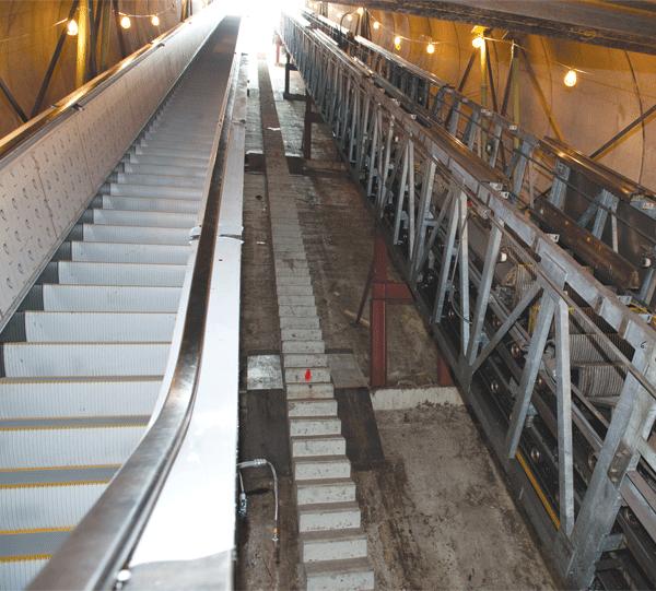 Dupont-Circle-escalator-062812-144